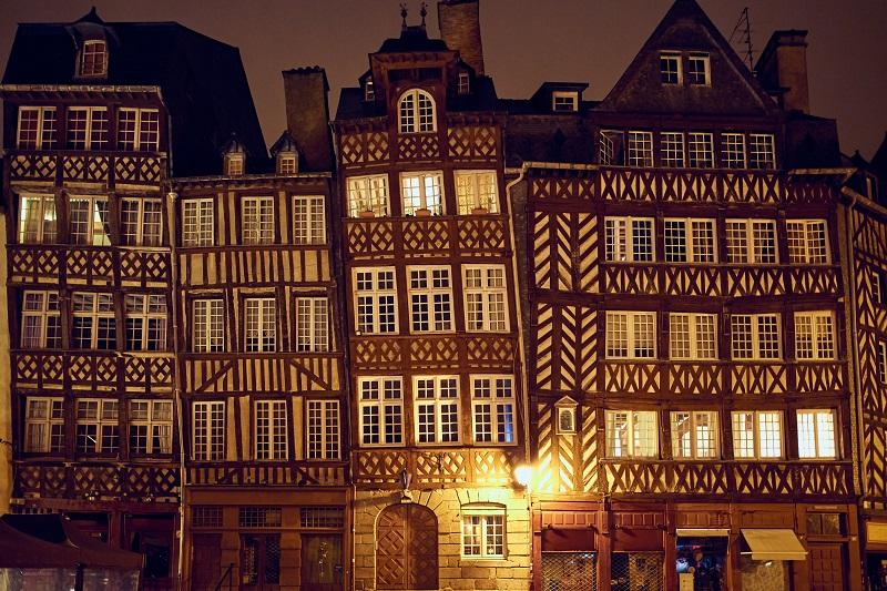 maison pan bois rennes hotel lices